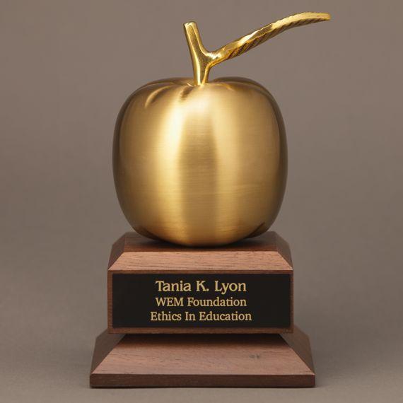 gold-apple-trophy-base-teacher-engraved