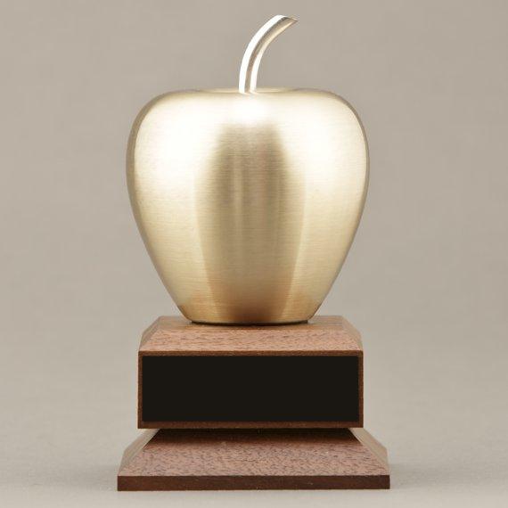 Golden Apple Award No personalization