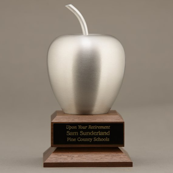 silver-apple-desk-award